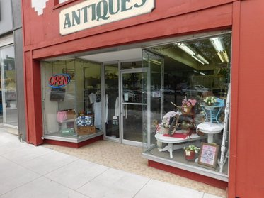 Ing And Antique Vintage In Logan Utah High Quality Primitives Native American Oak Victorian Auto Advertising Toys Quilts Art